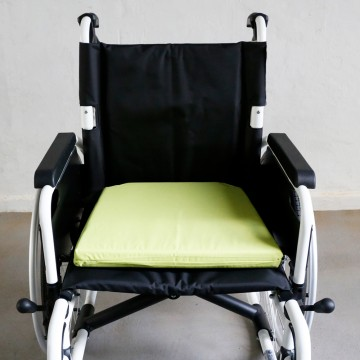 RC3 Seat Cushion With Waterproof Cover